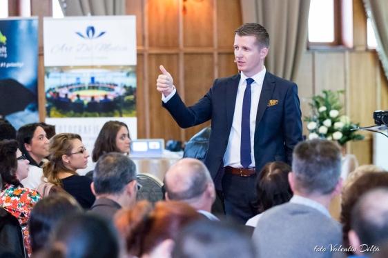 Lorand Soares Szasz in Bucuresti - 21 de metode pentru a Creşte